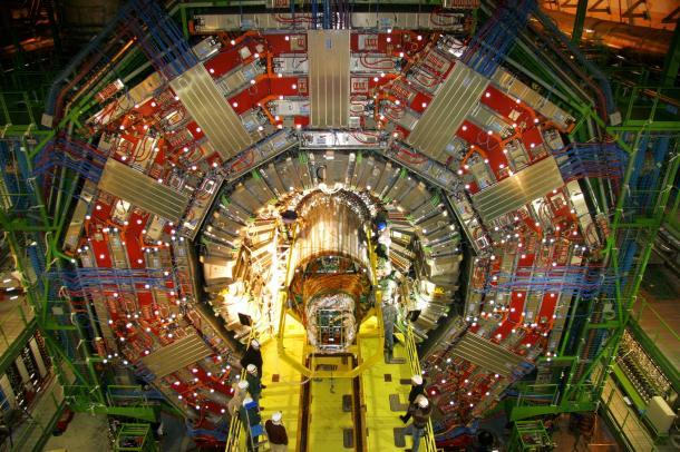 Электронный адронный коллайдер