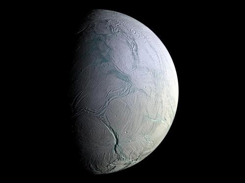 encelad-carstvo-snezhnoj-korolevy
