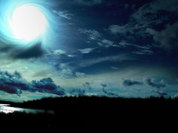 Луна снова угрожает безопасности Земли