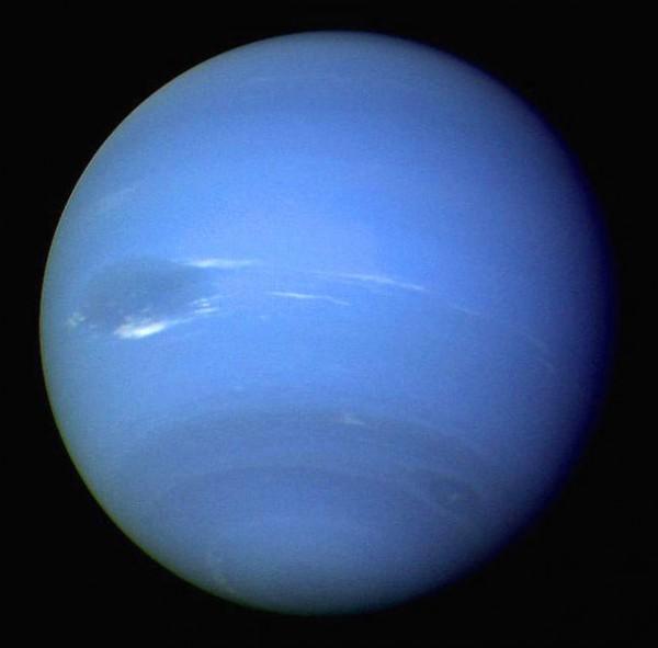 Нептун планета (4 фото)