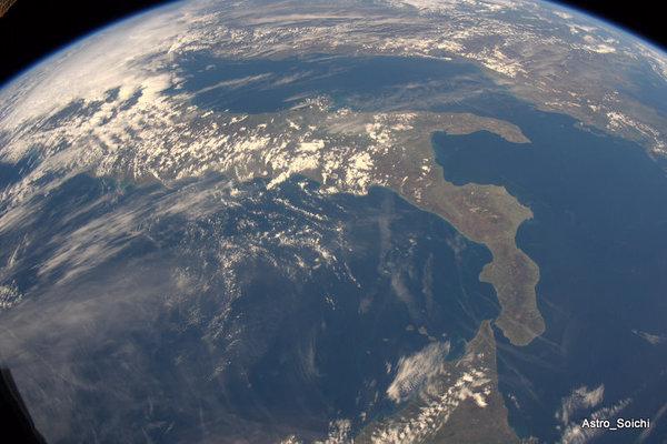 Италия из Космоса