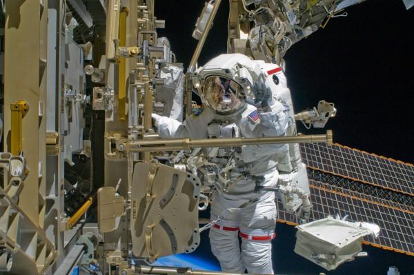 Работа в космосе