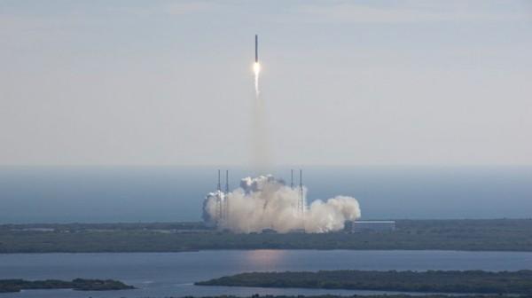 Хакеры решили запустить в космос собственный спутник связи